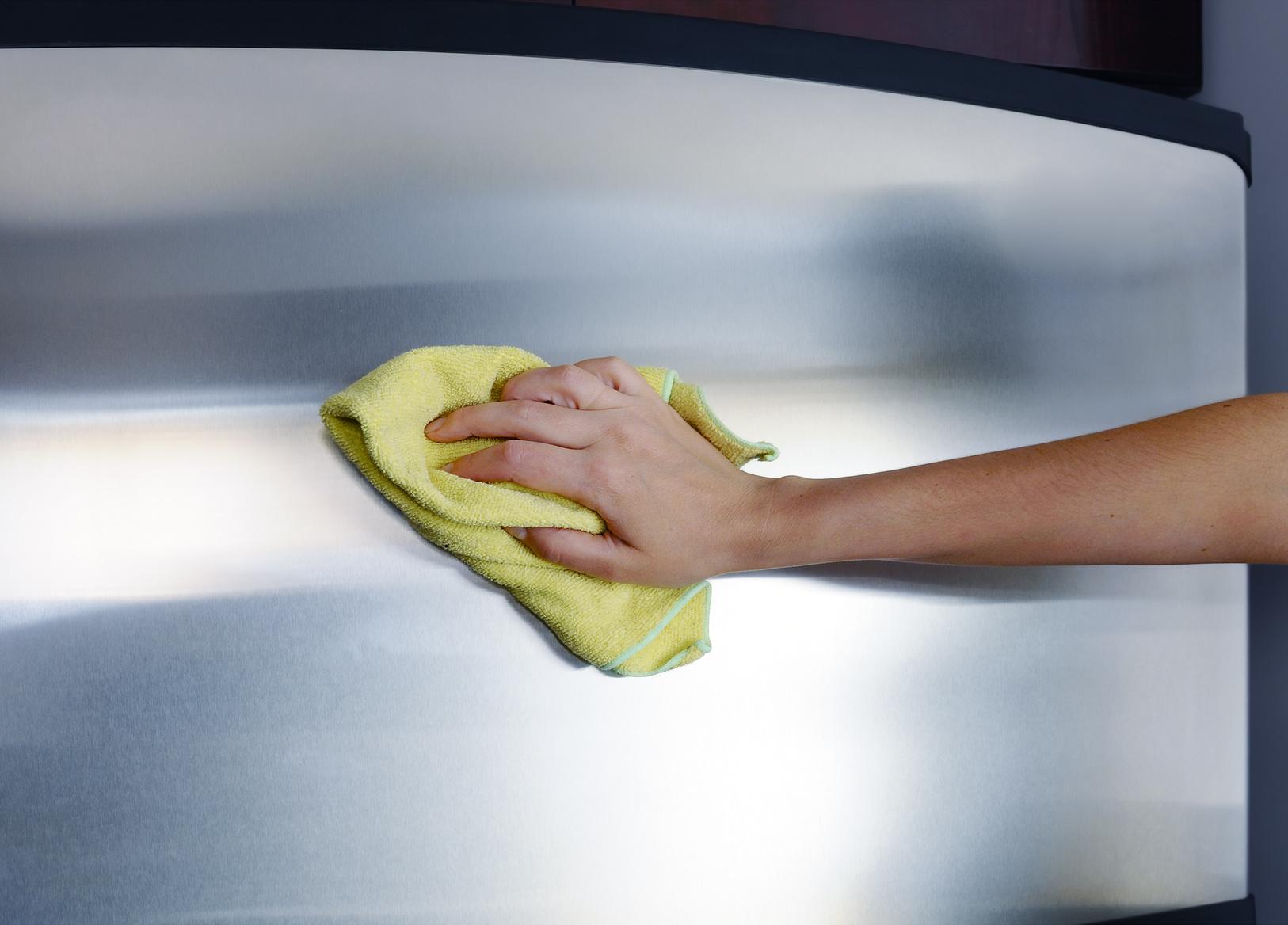 Jakich środków użyć do czyszczenia i polerowania stali nierdzewnej?