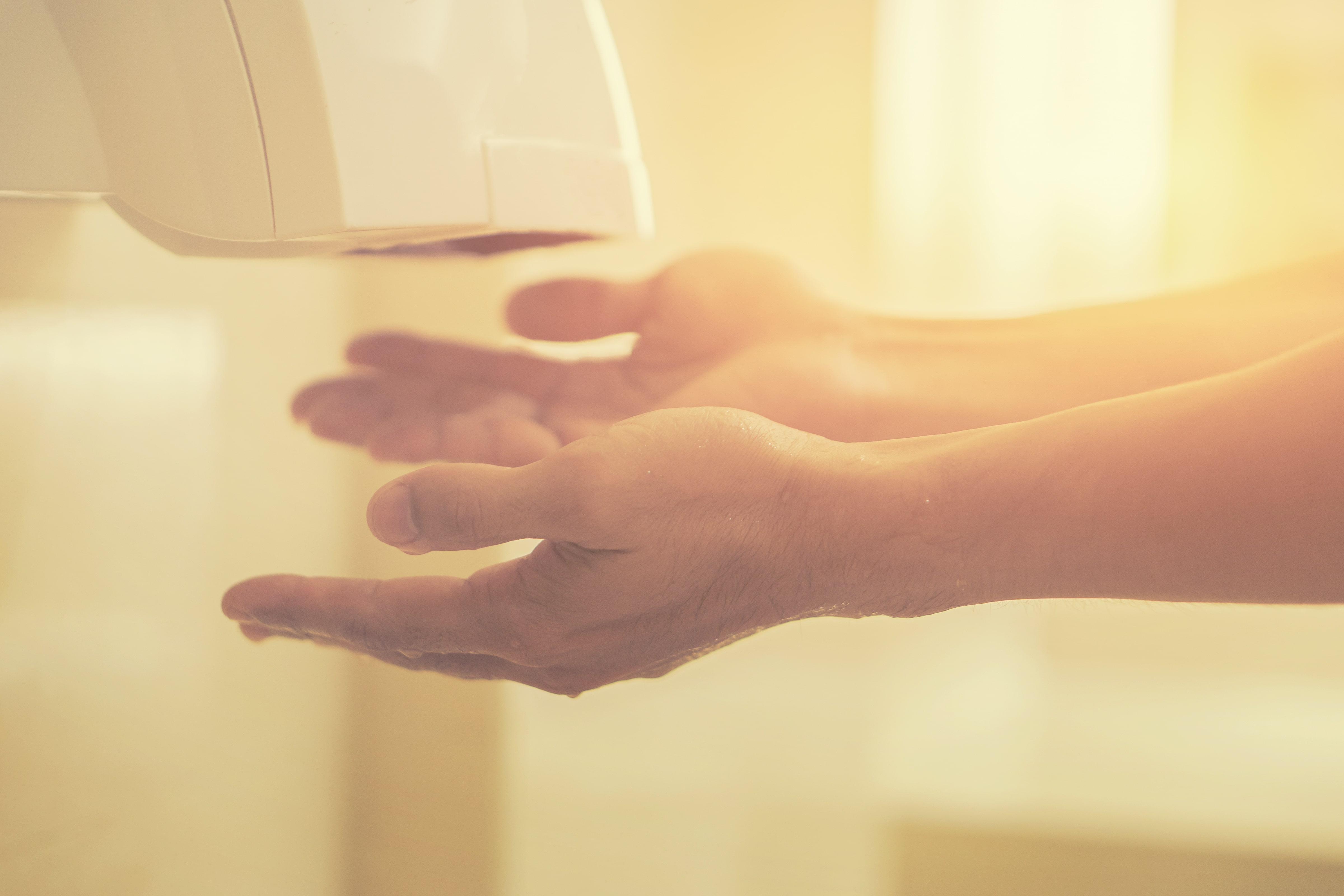 Jaka suszarka do rąk? Przegląd propozycji