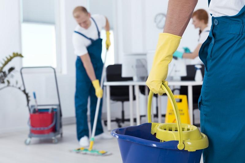 sprzątanie w firmie